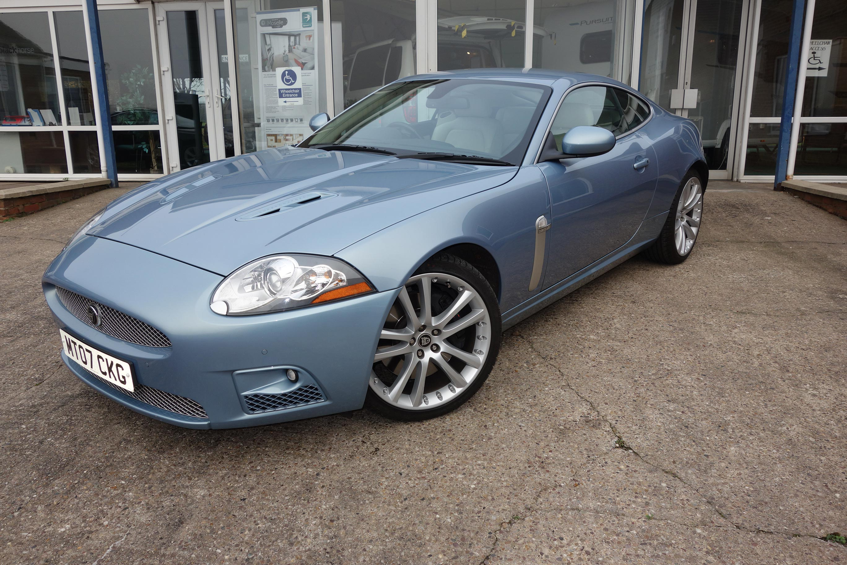 donington performancejaguar xkr 4 2 supercharged coupe sold will buy xk8 xkr xj xjs s. Black Bedroom Furniture Sets. Home Design Ideas