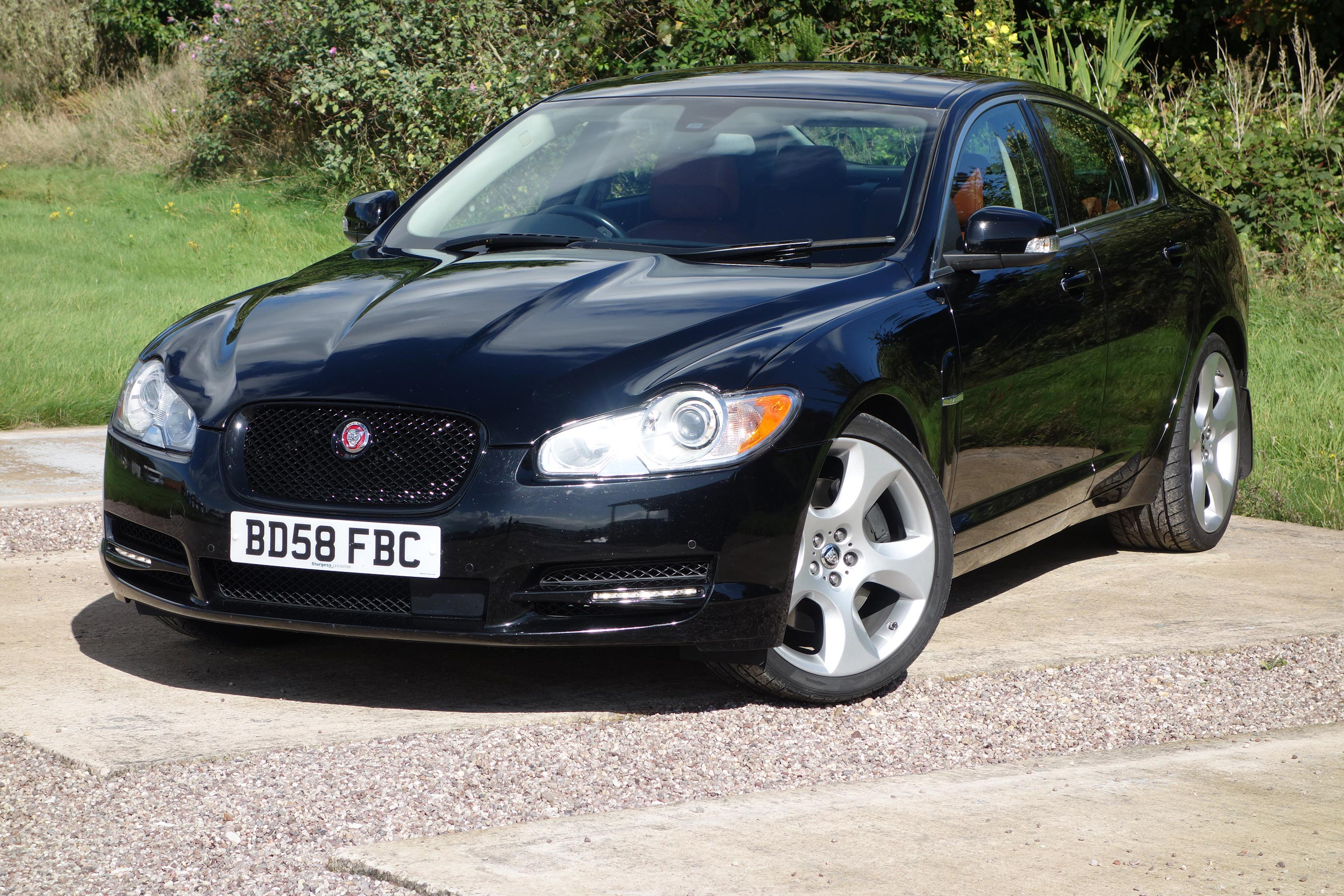 donington performancejaguar xf sv8 4 2 supercharged 2008 58 only 30k sold will buy xk8. Black Bedroom Furniture Sets. Home Design Ideas